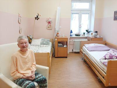 O vánoční atmosféru a nadílku dárků nepřijdou ani klienti pobytové sociální služby v Podhorské nemocnici